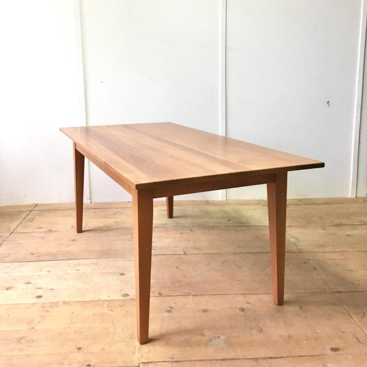 Kirschbaum Esstisch 180cm mal 90cm Höhe 76cm. Schlichter Vollholz Tisch aus Kirschbaum im Biedermeier Stil.