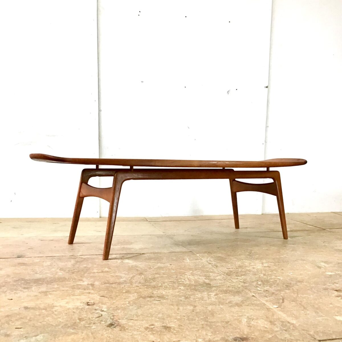Midcentury coffetable craftsmaship made in Denmark Danish vintagefurniture 60s Salontisch