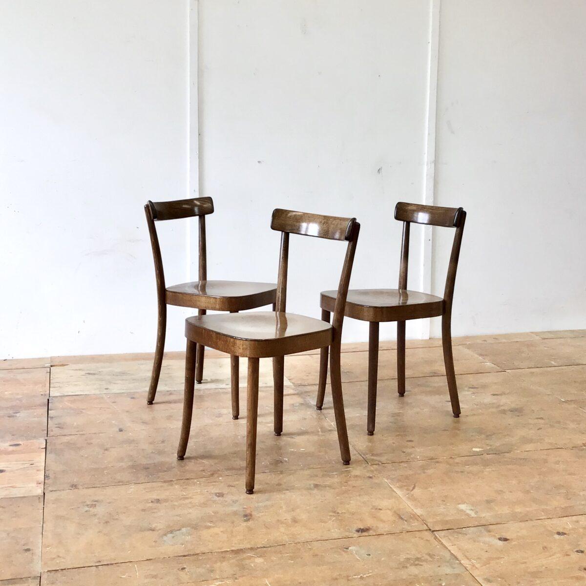 8 Max Moser Stühle von horgenglarus. Preis pro Stuhl, kleinere Abnutzungsspuren. Technisch in einwandfreiem Stabilen Zustand.