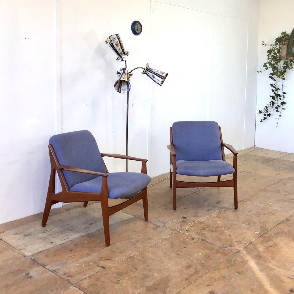 Deuxieme.shop Arne vodder Sessel. Midcentury Easy Chairs aus Teak. Das genaue Modell hab ich nicht gefunden, dürften von Arne Vodder sein. Die Sessel sind in gutem gepflegten Zustand, der Stoffbezug hat ein paar minimale kleine Flecken. Preis für das Set.