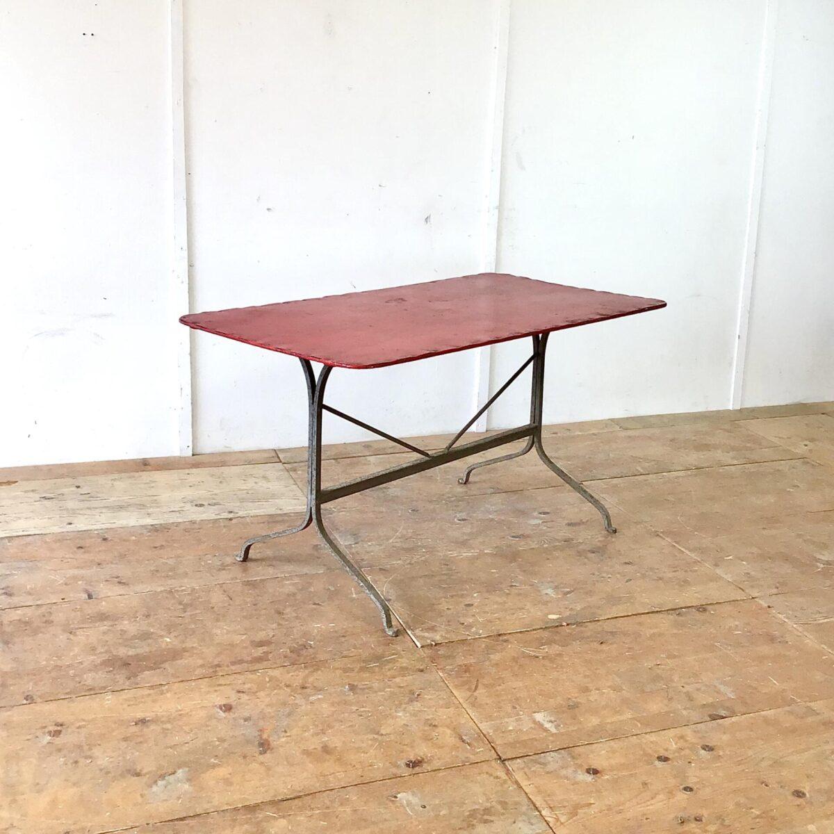 Antiker Jugendstil Gartentisch 140x75cm Höhe 75cm. Dieser Metalltisch hat sichtbare Alterszeichen, keine Durchrostung.