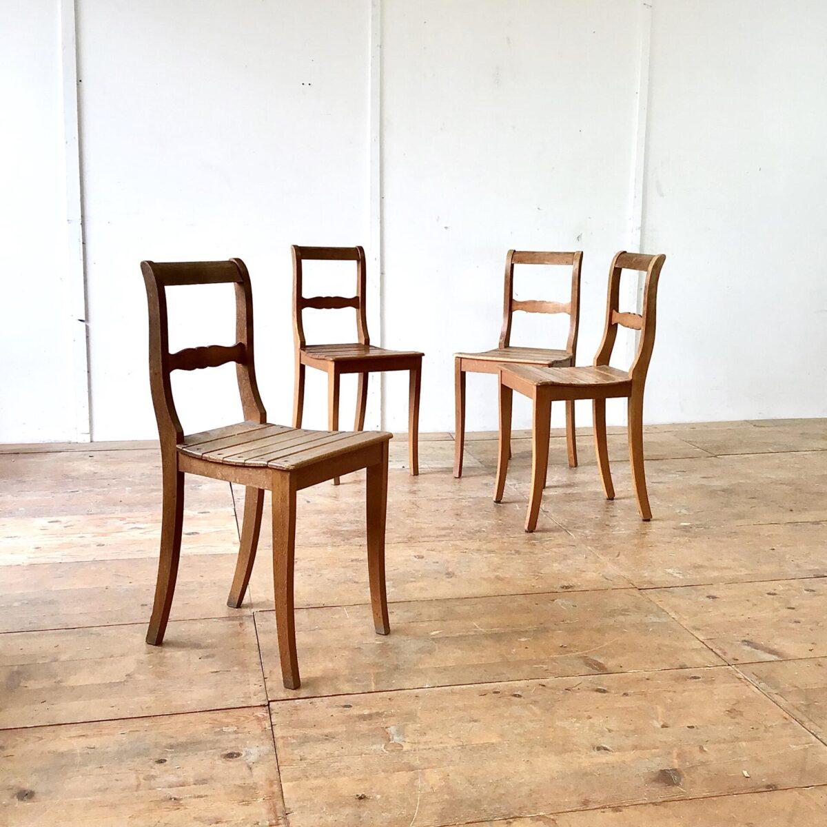 Deuxieme.shop bistrostühle Beizenstühle Holzstühle. 4er Set Esszimmer Stühle aus Buchenholz. Klassische Biedermeierstühle mit den geschwungenen Hinterbeinen und gerundeten Lehne.