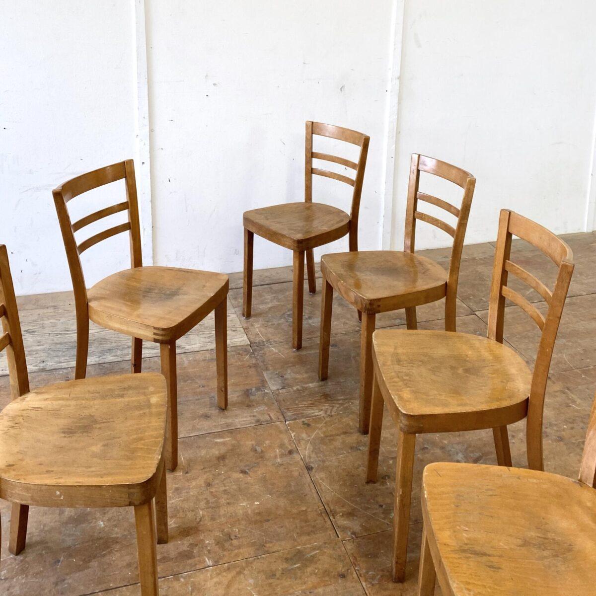 Deuxieme.shop Beizenstühle horgenglaruschairs. 6er Set Beizenstühle mit feinem Rücken. Die Stühle sind recht verbraucht aber in stabilem leicht überarbeiteten Zustand, wacklige Beine sind frisch verleimt.